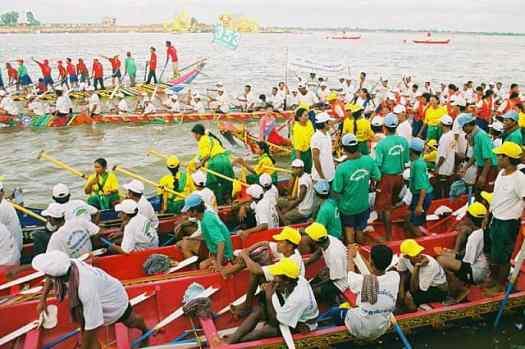 Cambodia-water-fesetival-tourism-cambodia