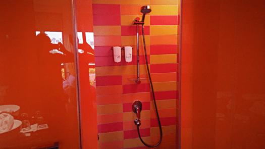 image-of-hotel-shower-by-accidentaltravelwriter.net