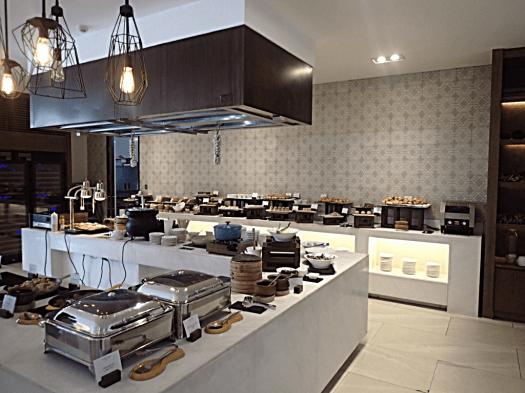 breakfast-buffet-@-lind-hotel-boracay-island-copyright-www.accidentaltravelwriter.net