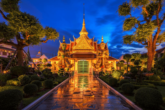 Thailand-bangkok-river-cruise-temple-of-dawn-BerryJ