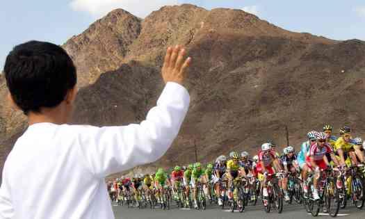 Uae-dubai-tourism-Cycling