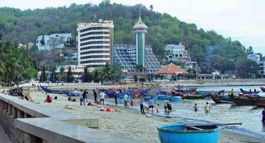 Vietnam-vung-tau-sightseeing-Ba-Ria-credit-trungydang