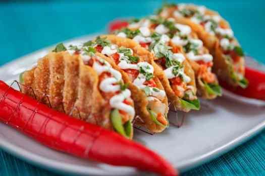 Thailand-bangkok-restaurant-namsaah-bottling-trust-salmon-tartare-tacos