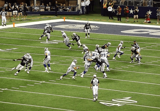 Nfl-oakland-raiders-playing-football-at-cowboys-stadium-in-dallas