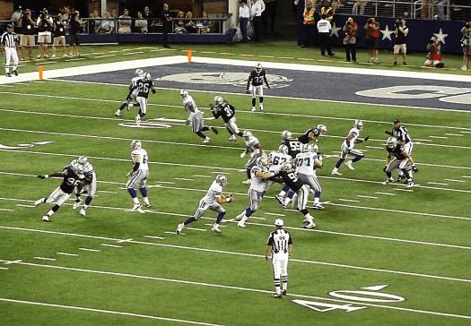 Nfl-oakland-raiders-playing-football-at-cowboys-stadium-in-dallas