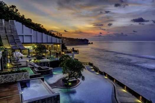 Bali--uluwatu-hotel-anantara-splash