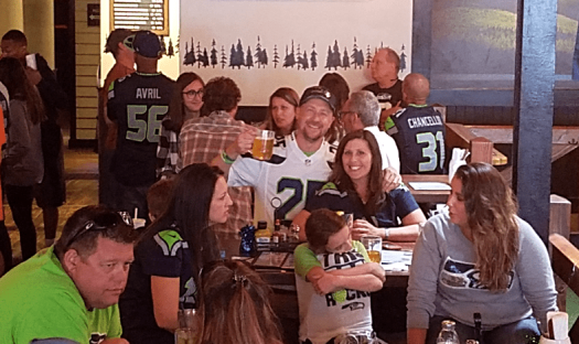 Nfl-seattle-seahawks-denver-rhein-haus-Loyal Fans