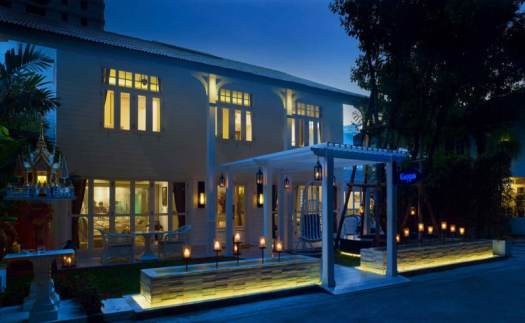 Thailand-bangkok-restaurant-gaggan-exterior-at-night