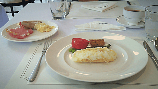 oriental-residences-bangkok-breakfast-eggs
