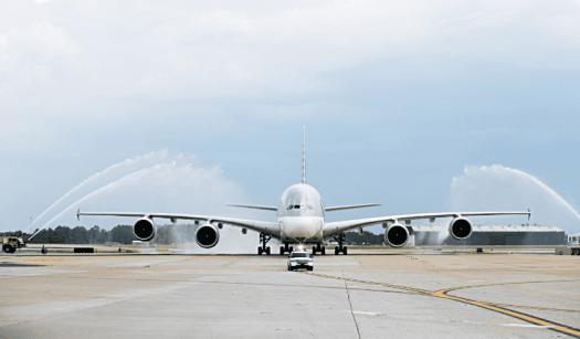Aviation-qatar-airways-airbus-A380-arrives-Atlanta-Harfield-Airport-2