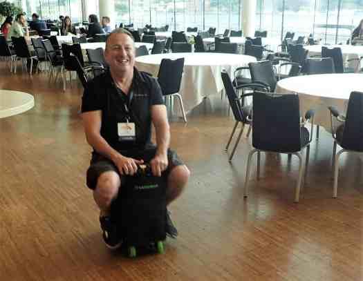 image-of-motorized-rideable-luggage-motobag