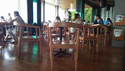 image-of-pattay-restaurant-overlooking-ocean
