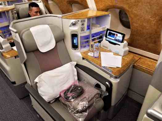 lie-flat-business-class-seat