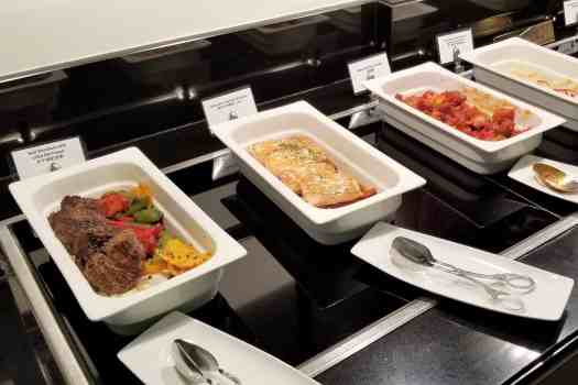 emirates-airline-hong-kong-airport-business-class-lounge-hot-dishes