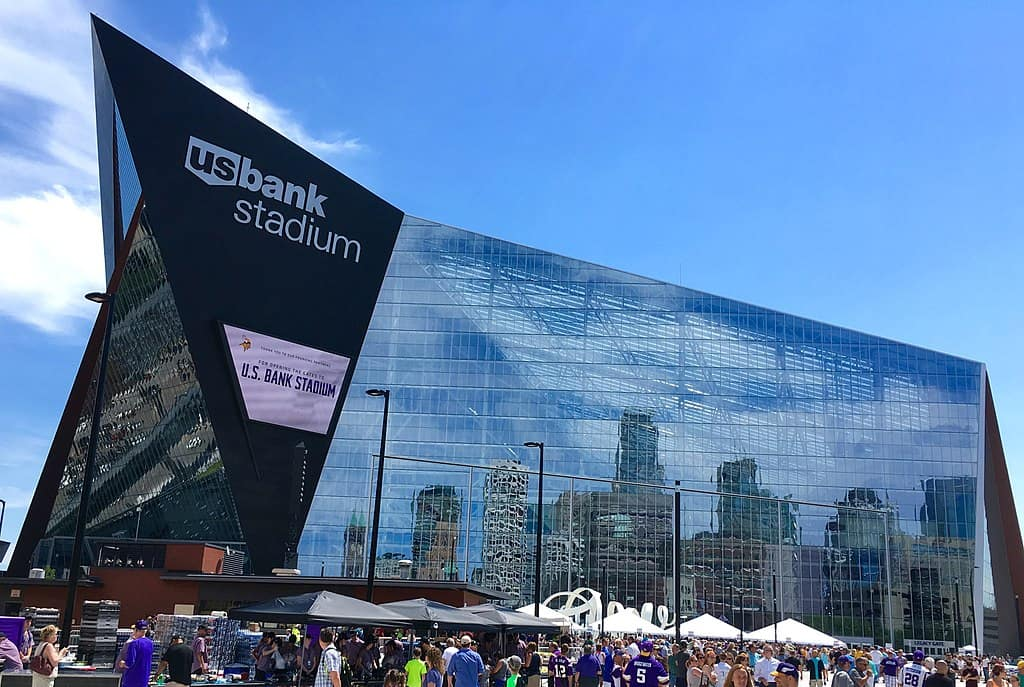 nfl-minnesota-vikings-US_Bank_Stadium_credit_Darb02