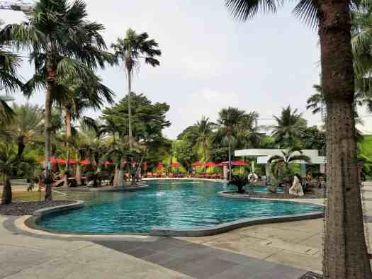 th-pattaya-hotel-amari-swimming-pool (1)
