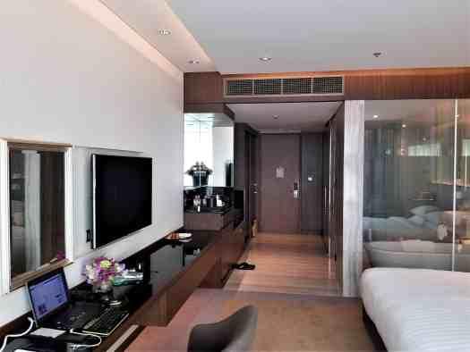 image-of-lancaster-bangkok-hotel-guest-room