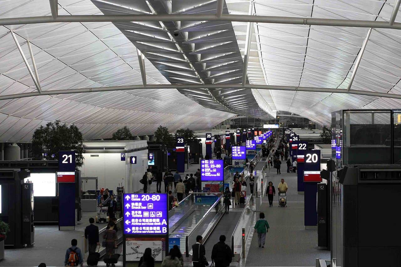 image-of-hong-kong-international-airport-concourse