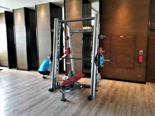 image-of-bangkok-marriott-marquis-queens-park-hotel-gym-bench-press