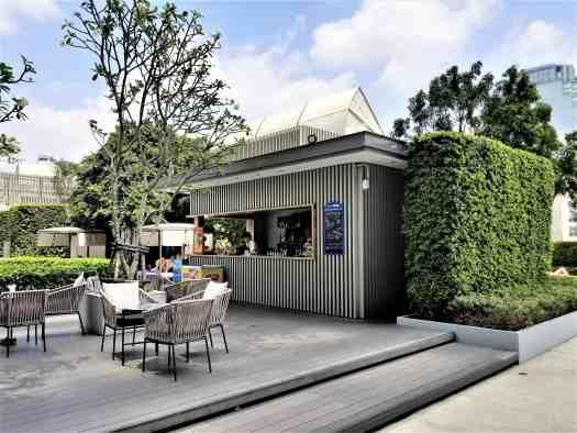 image-of-bangkok-marriott-marquis-queens-park-hotel-swimming-pool-bar