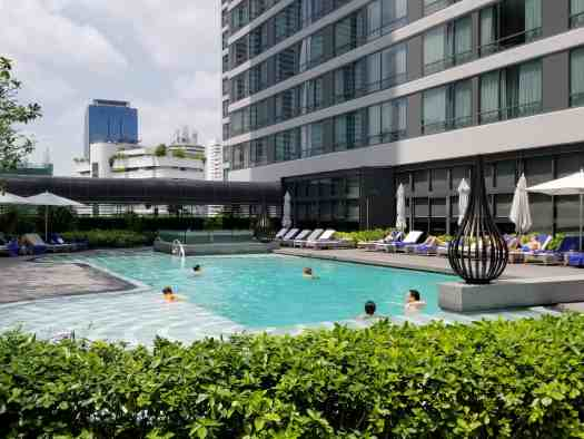 image-of-bangkok-marriott-marquis-queens-park-hotel-swimming-pool