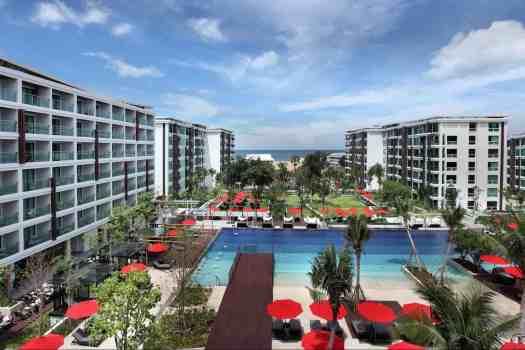 amari-hotel-swimming-pool-in-hua-hin-thailand