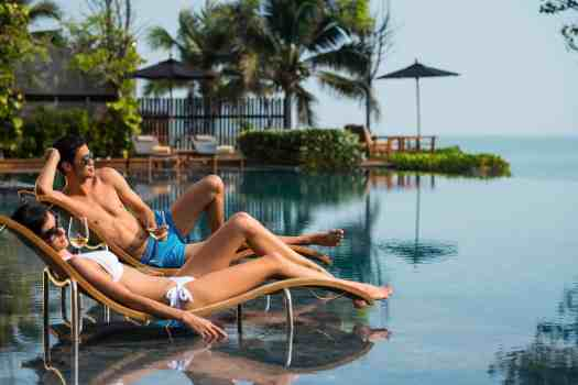 sunbathing-at-v-villas-hotel-in-hua-hin-thailand