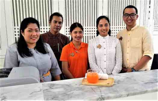image-of-proud-phuket-thailand-hotel-front-desk-staff