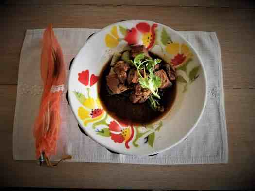 stwewed-pork-neck-with-black-mushrooms
