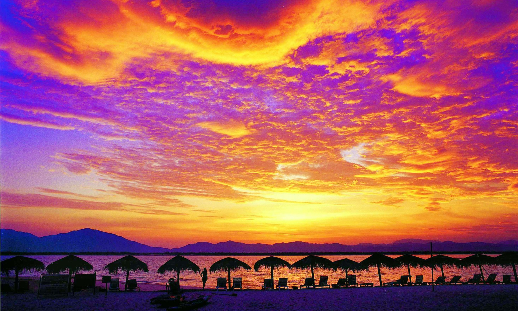 image-of-hainan-china-wuzhizhou-sunset