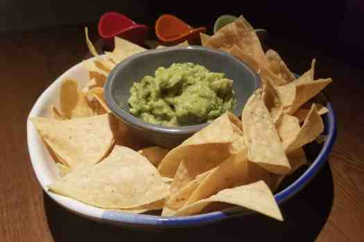 image-of-guacamole-and-nachos