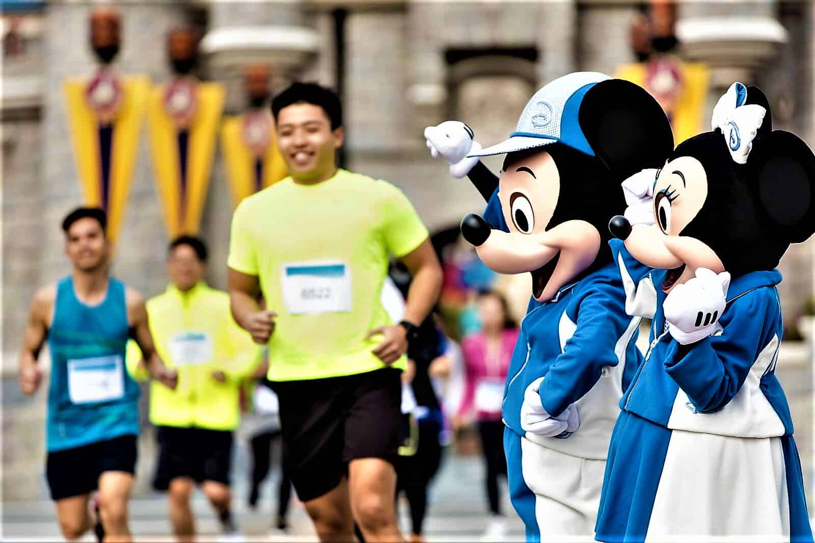 image-of-mickey-and-minnie-mouse-cheering-runners-at-10K-disneyland-marathon
