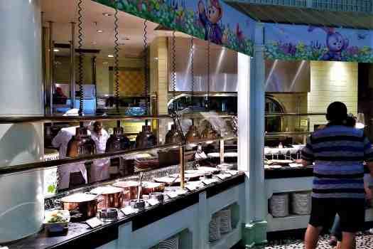 image-of-hong-kong-disneyland-hotel-enchanted-garden-hot-dishes