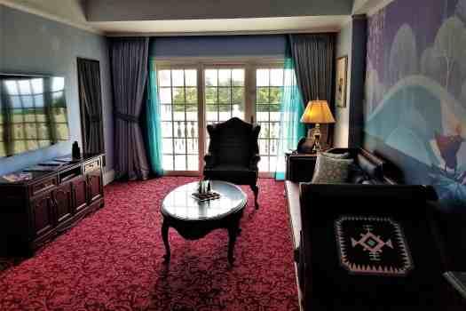 image-of-hong-kong-disneyland-hotel-suite-living-room