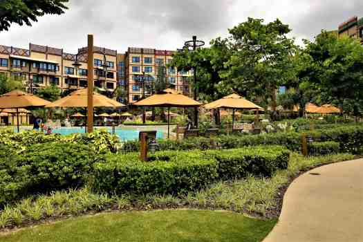 image-of-explorers-lodge-hong-kong-disneyland-hotel-swimming-pool