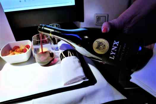 image-of-cathay-pacific-airways-business-class-wine