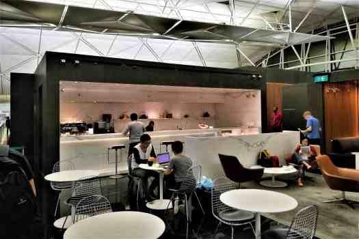70daa-hkia-cx-business-class-lounge (16)