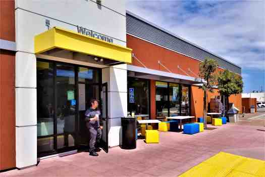 image-of-mcdonalds-outdoor-seating