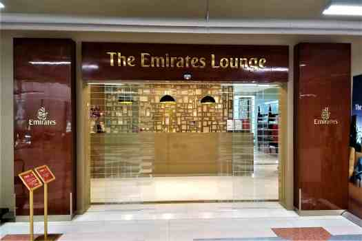 image-of-emirates-airline-lounge-at-bangkok-airport-entrance