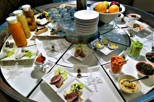 image-of-emirates-airline-lounge-cold-dishes-at-bangkok-airport-