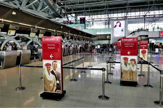 image-of-emirates-airline-check-in-counter-at-bangkok-airport-
