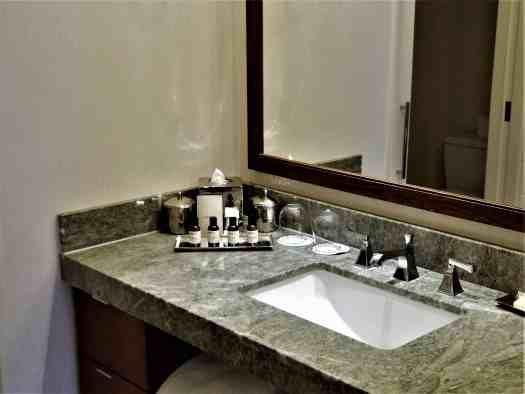 image-of-san-francisco-hotel-fairmont-heritage-place-ghirardelli-square-ensuite-bathroom