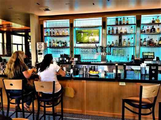 image-of-mikuni-japanese-restaurant-sushi-bar-concord-california-cocktail-bar @visitconcordca