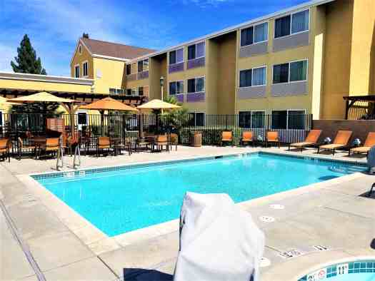 image-of-courtyard-marriott-sacramento-cal-exp-outdoor-swimming-pool