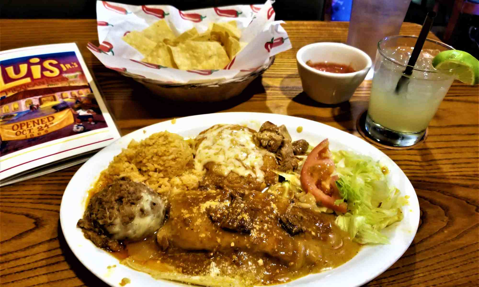 image-of-sacramento-restaurant-luis-jrs-mexican-food-chile-relleno-y-beef-tamale