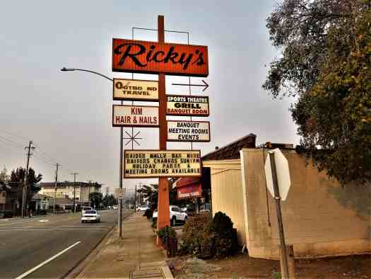 image-of-rickys-sports-bar-sign