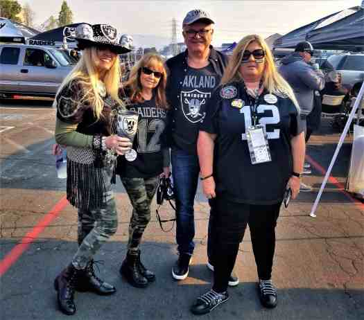 raider-fans-in-oakland