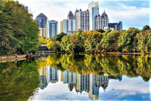 lake-in-Piedmont-park-in-downtown-atlanta