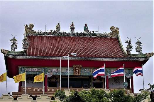 chinese-temple-in-bangkok-thailand