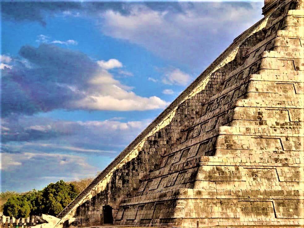 equinox-at-pyramid-in-mexico